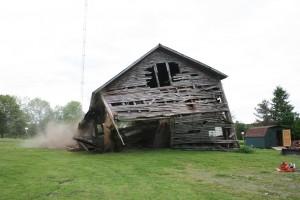 barn-comes-down